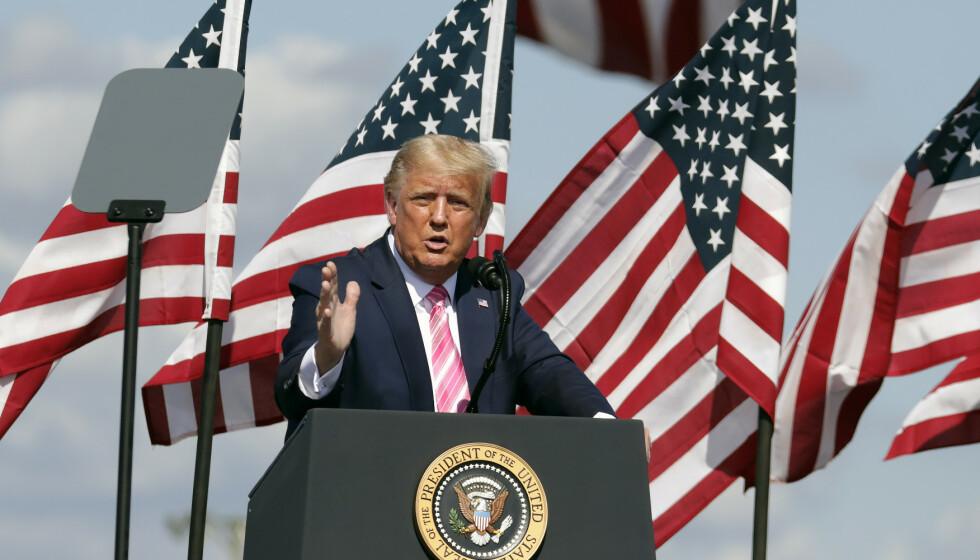HØYE ODDS: Det gir gode odds for en ny fireårsperiode med Donald Trump. Han ligger milevis bak på målingene, men ifølge analyser av sosiale medier kan han likevel vinne, ifølge professor Bela Stantic. Chris Seward / AP / NTB