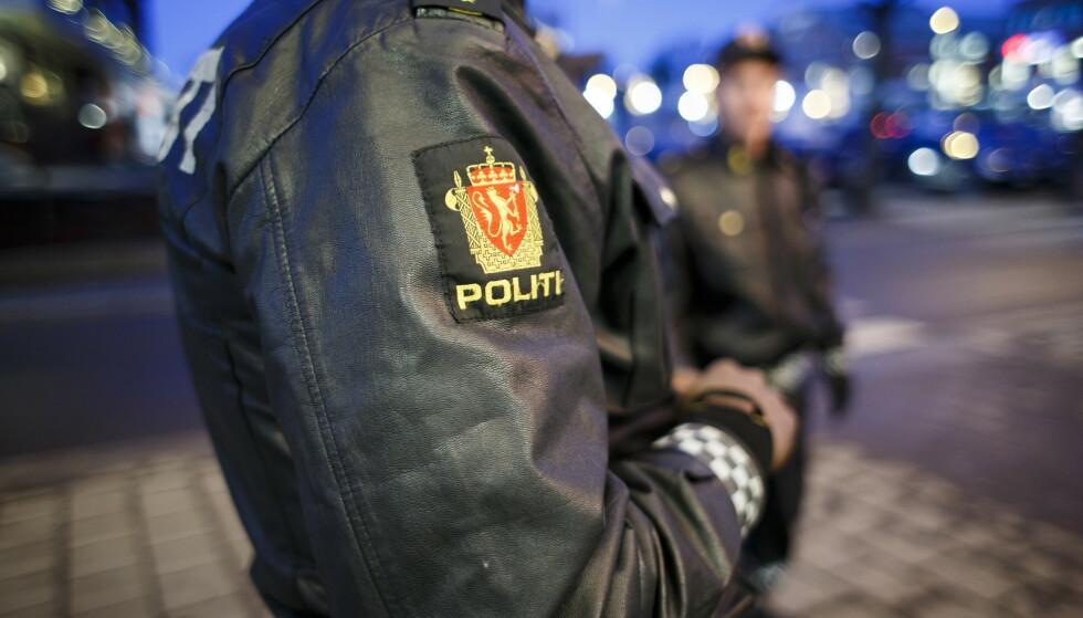 HEKTISK NATT: Det ble meldt om festbråk og slåssing flere steder i landet i natt. Foto: Heiko Junge / NTB