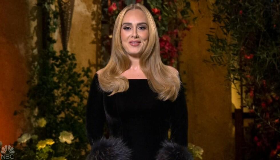 BRØT TAUSHETEN: Popstjerna Adele snakket for første gang om den ekstreme forvandlingen i tv-programmet «Saturday Night Live». Foto: Nipi / Backgrid UK / NTB