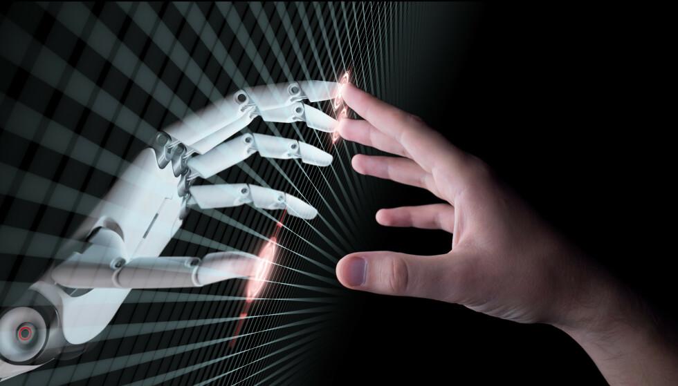 BARE TIL HJELP?: Hvor ligger ansvaret for diskriminerende avgjørelser som er fattet av kunstig intelligens? Og hvordan skal vi sikre at de som utvikler teknologien, har kjennskap til diskrimineringslovverket, spør innsenderen. Foto: Shutterstock/NTB