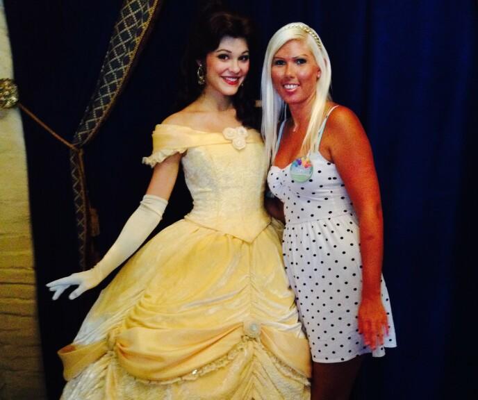 FLYTTA: Sidney flytta på et tidspunkt til Orlando for å jobbe i Disney World. Her innså hun også at hun ikke må bry seg om hva andre mener om henne. Foto: Privat