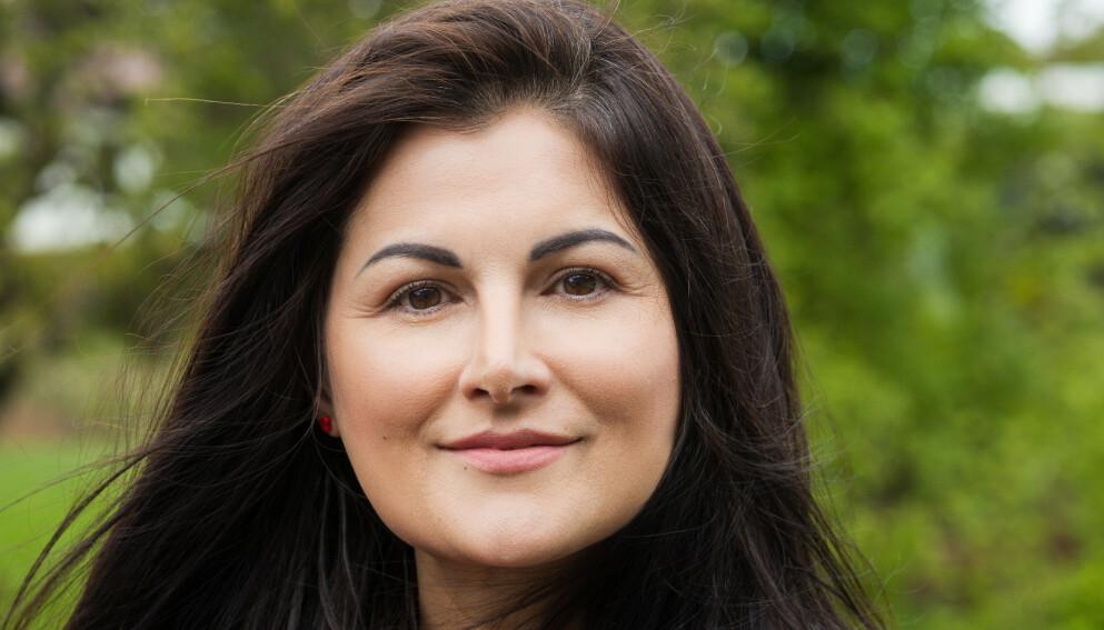 TILHENGER: Ella Idsøe ved Universitetet i Oslo jobber med evnerike barn. Hun sier at mange havner utenfor, nettopp fordi de har et stort potensial som ikke utforskes nok, verken av foreldre eller på skolen. Derfor er hun delvis tilhenger av kodene. Foto: Ciprian Alupoae