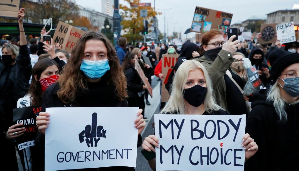 EN MENNESKERETT: - Retten til tilgjengelig, lovlig og trygg abort er en menneskerett, skriver innsenderne. Foto: Kacper Pempel / REUTERS / NTB