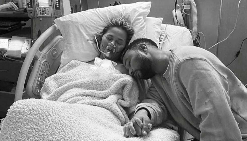 MISTET SØNNEN: Chrissy Teigen og John Legend har vært åpne om at de mistet sønnen på fødestua. Foto: Privat/NTB