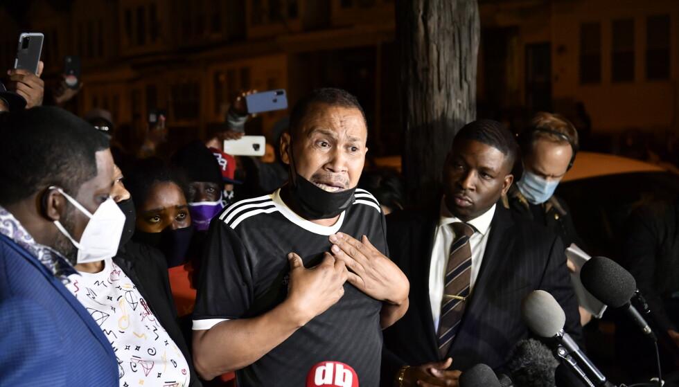 BER OM RO: Wallaces far, Bob, ba voldelige demonstranter i Philadelphia om å holde ro og orden. - Jeg håper folk kan vise oss og byen respekt. Foto: Lars Eivind Bones / Dagbladet