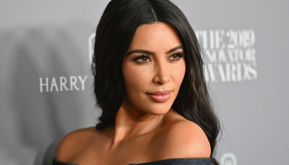 I HARDT VÆR: På Twitter er det flere som reagerer etter at Kim Kardashian West publiserte flere bilder fra en bursdagsfeiring utenom det vanlige, midt under en pandemi som mange amerikanere lider av. Foto: AFP / NTB