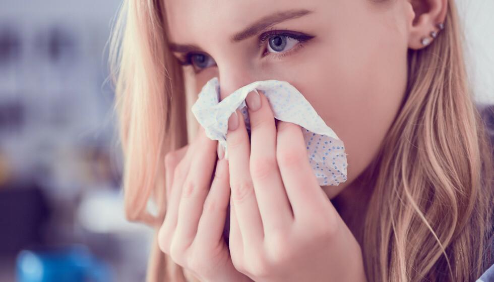 SNØRR: Rennende nese er som regel uskyldig, men i enkelte tilfeller bør du kontakte lege. Foto: NTB Scanpix / Shutterstock
