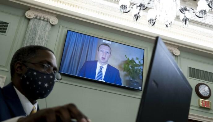 FACEBOOK-SJEF: Mark Zuckerberg under høringen i Senatet. Foto: Michael Reynolds-Pool/Getty Images/AFP