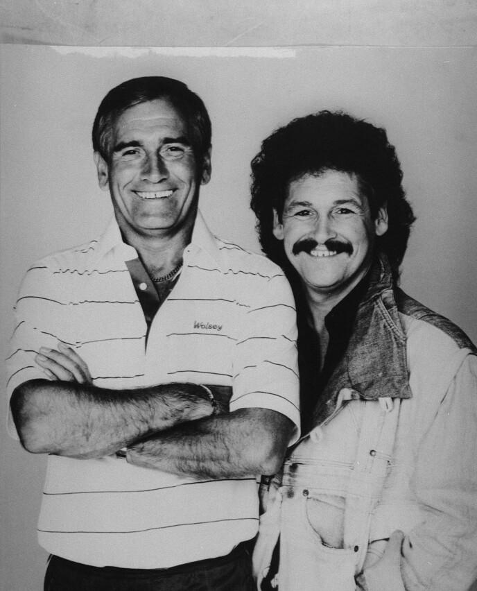 KOMEDIEDUO: Bobby Ball og Tommy Cannon ble berømte for «The Cannon & Ball Show». Her er de to avbildet sammen i 1993. Foto: Pa Photos / NTB