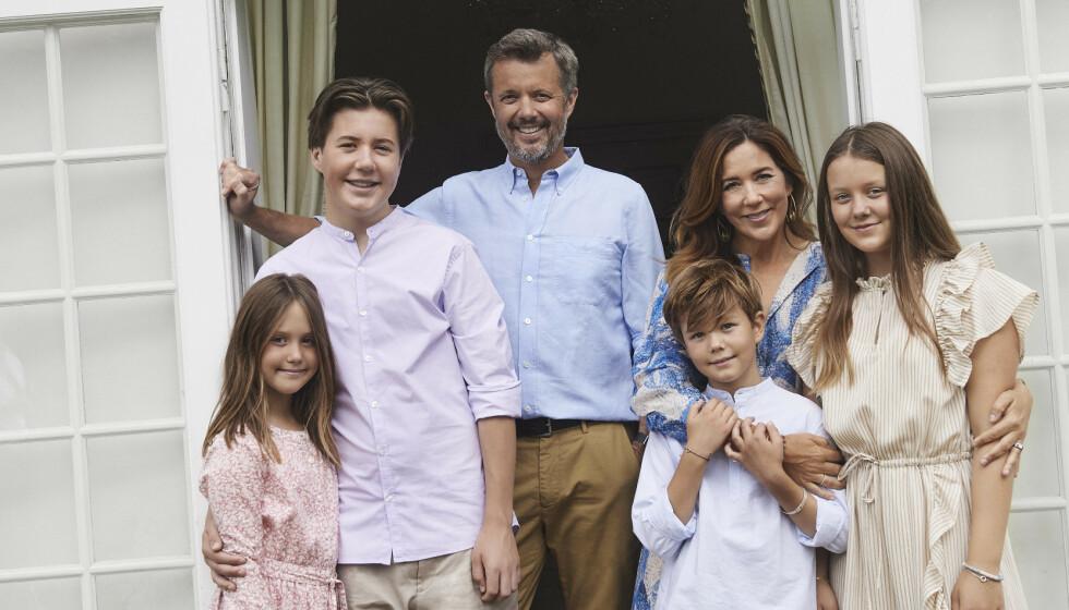 FLYTTER TILBAKE: Etter å ha bodd i Kancellihuset på Fredensborg slott et halvt år, flytter kronprinsfamilien. Foto: Franne Voigt