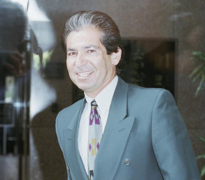 DØD: Robert Kardashian døde i 2003. Her i 1996 i forbindelse med rettssaken mot O.J. Simpson. Foto: Nick Ut / AP / NTB