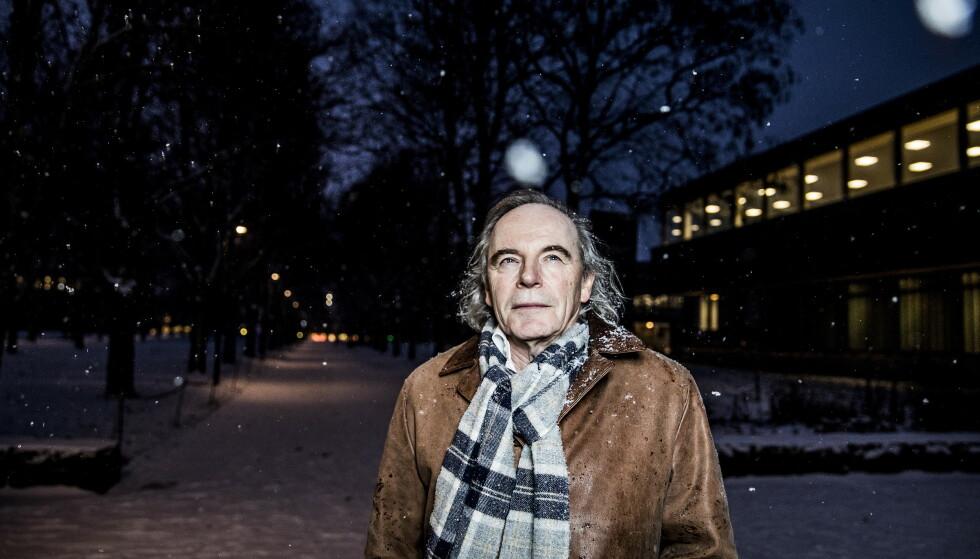 VANNMANNEN: Terje Tvedt har vært opptatt av vann i flere tiår. Nå også vannets betydning for verdenshistorien. Foto: Christian Roth Christensen / Dagbladet