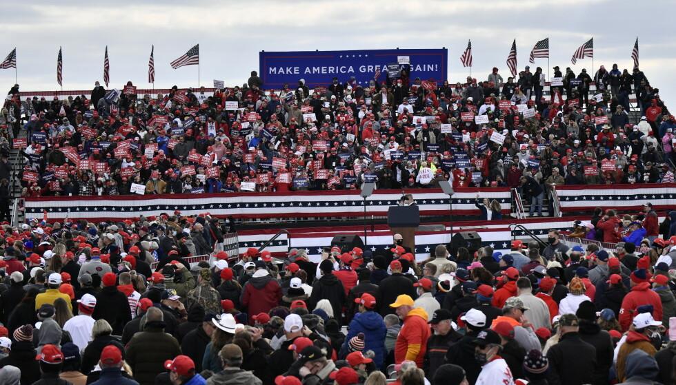 SAMLER VELGERE: Dagbladet er til stede på Trumps folkemøte i Reading, Pennsylvania lørdag, der tusenvis har møtt opp. Foto: Lars Eivind Bones / Dagbladet