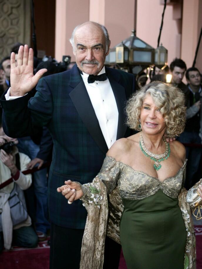 GIFT I 45 ÅR: Sean Connery og kona Micheline Roquebrune hadde et langt liv sammen. Foto: AFP/NTB