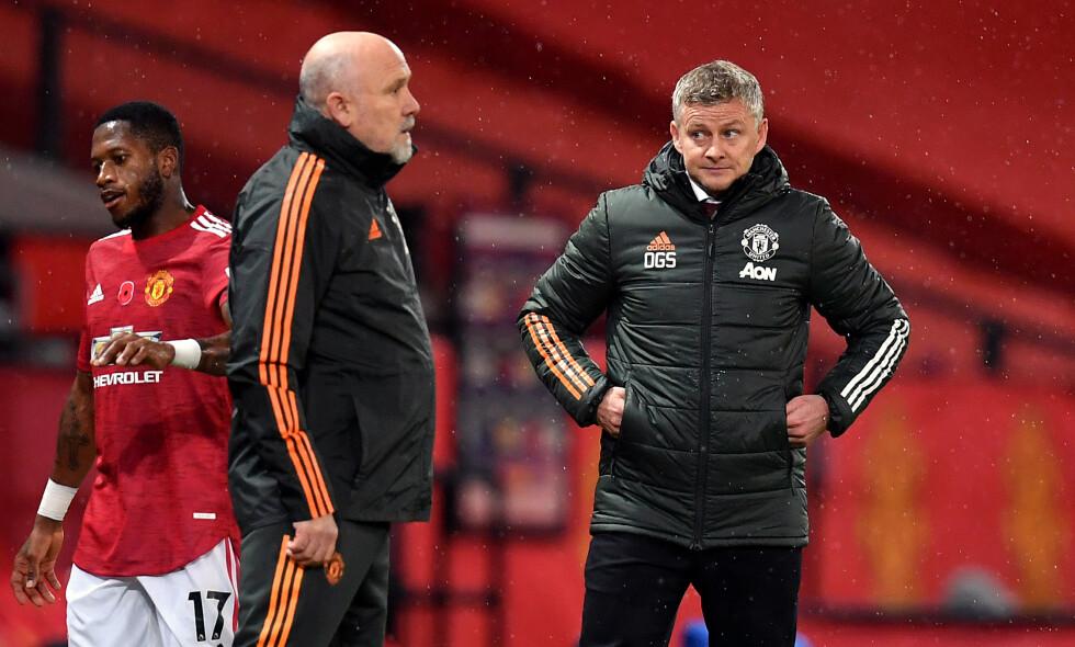 TRØBBEL: Ole Gunnar Solskjær og assistent Mike Phelan (t.v.) måtte konstatere tap mot Arsenal. Foto: NTB
