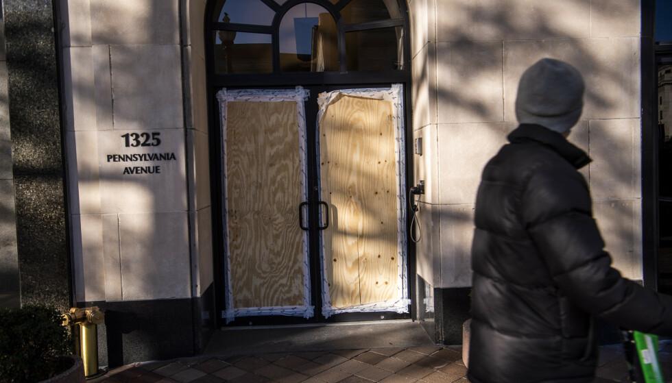 FRYKT: - Det kan fort bli en voldelig og destruktiv periode for USA om valgresultatet ikke foreligger raskt, sier Anders Romarheim, som er førsteamanuensis ved Institutt for forsvarsstudier (IFS), en del av Forsvarets høgskole (FHS) til Dagbladet. Foto: Lars Eivind Bones / Dagbladet