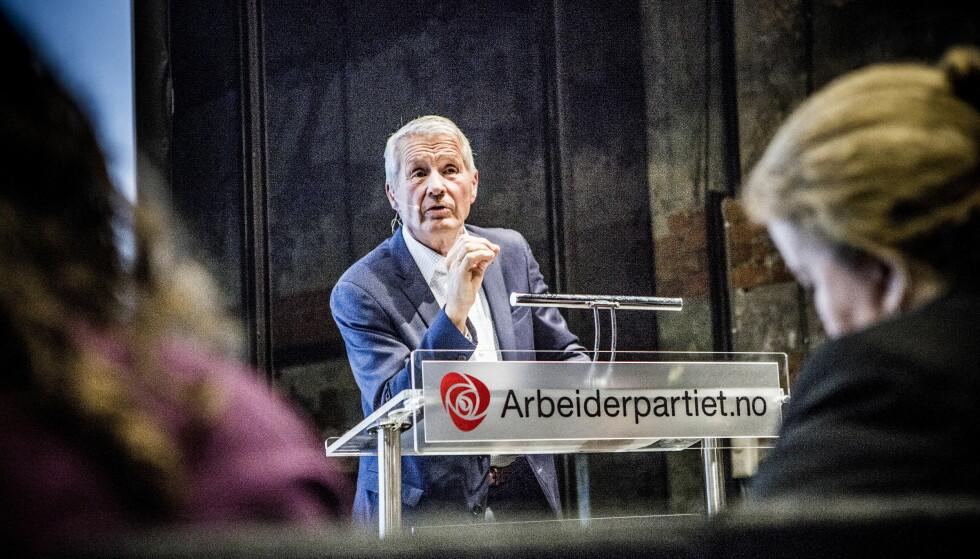 DRAMATIKK: Arbeiderpartiet har vært arena for de tøffeste personstridene i norsk politikk. Her serverer Jagland den ene etter den andre. Foto: Christian Roth Christensen