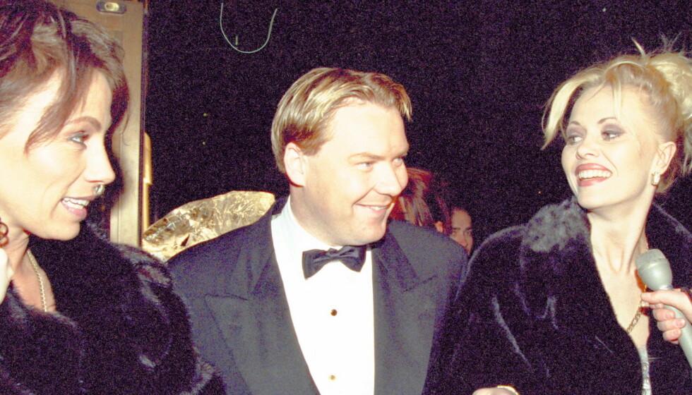 GIKK BORT: Ove Nygren er død, 52 år gammel. Her er han avbildet i 1997, da Tom Jones og Helena Christensen holdt moteshow i Oslo Konserthus. Til høyre tidligere glamourmodell Linda Johansen. Foto: Siv-Elin Nærø / Dagbladet