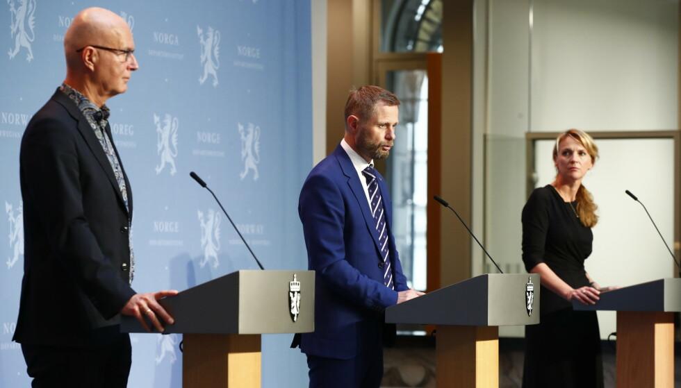 FEIL VEI: Smitteutviklingen i Norge går feil vei. Myndighetene kommer med siste nytt på en pressekonferanse 14.30 tirsdag. Foto: Terje Pedersen / NTB