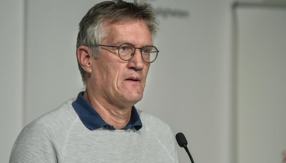 ADVARER: Statsepidemiolog Anders Tegnell adverer om at smittesituasjonen i Sverige går feil vei. De siste to ukene har smittetallene mer enn doblet seg. Foto: Anders Wiklund/ TT via AP / NTB