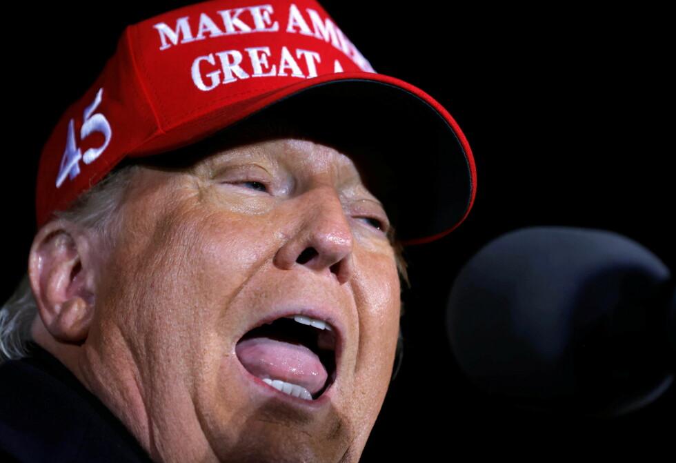 HAR TATT ROTTA PÅ MENINGSMÅLINGENE: Donald Trump kan i morgentimene onsdag fortsatt bli USAs neste president - stikk i strid med det flere meningsmålinger meldte på forhånd. Foto: NTB