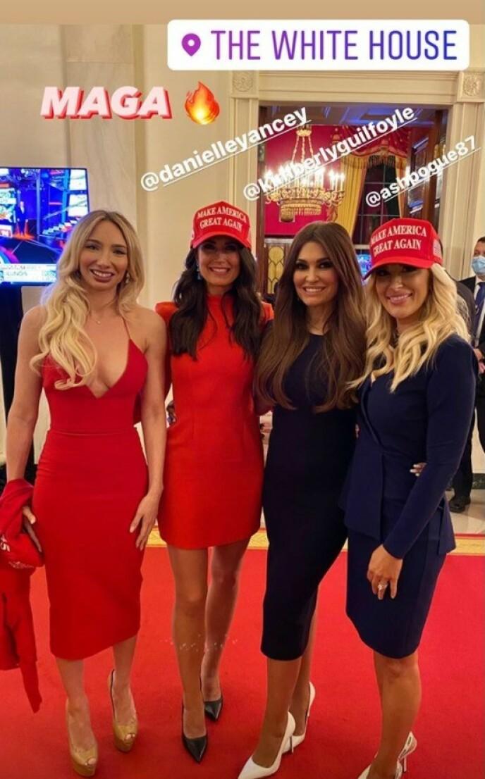 SMITTEVERN?: Avstand og munnbind sto ikke høyt på agendaen under Trumps valgvake i Det hvite hus. Foto: Instagram