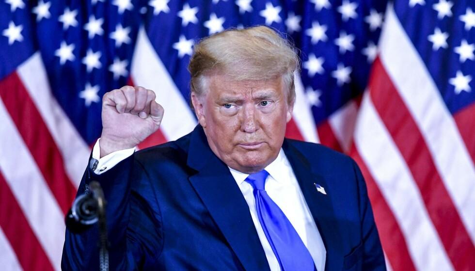 HADDE PLANEN KLAR: Trump gjorde noe vi aldri før har sett i amerikansk politikk. Presidenten erklærte seier før resultatet var klart. Han kalte valget for en svindel. Og Trump sa at han vil gå til Høyesterett for å stoppe opptellingen av stemmer. Foto: NTB
