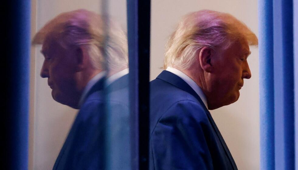 SPØKELSET FORFØLGER OSS: Donald Trump, ennå i Det hvite hus. Foto: REUTERS / NTB