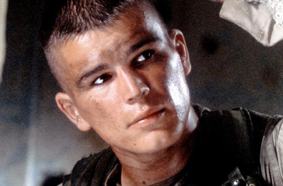 FLYKTET: Josh Hartnett var en av de heiteste Hollywood-stjernene for 20 år siden. I dag lever han et betraktelig annerledes liv, og nå forklarer han hvorfor. Her er han avbildet i filmen «Black Hawk Down» i 2001. Foto: Moviestore / REX / NTB