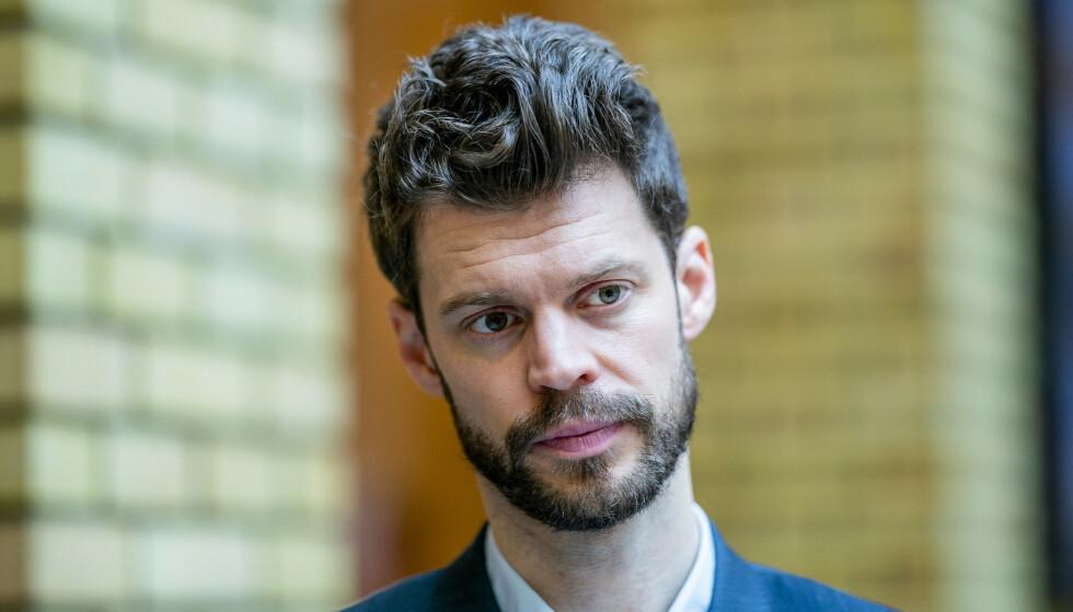 ULIK LØNN: Vi er i ferd med å få to lønnsnivå i Norge: ett for nordmenn og ett for utlendinger, skriver Bjørnar Moxnes. Foto: Stian Lysberg Solum / NTB