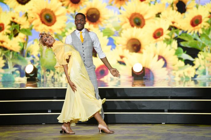 HØYT TEMPO: Helene og Nate danset en quickstep som sin første av to danser. Foto: Espen Solli / TV 2