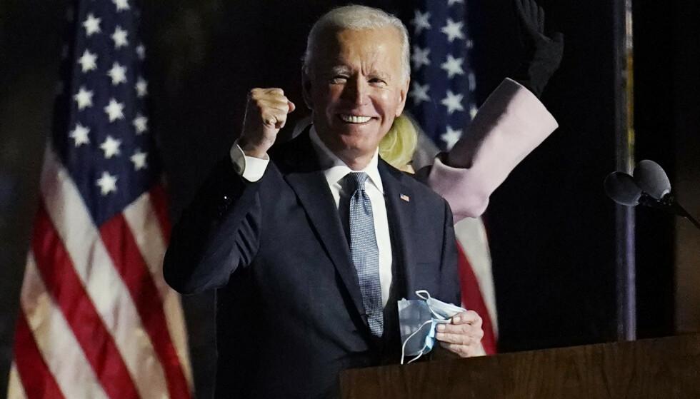 Demokraten Joe Biden er av de fleste store amerikanske mediehus utpekt som vinneren av presidentvalget 2020, og blir dermed USAs 46. president. (AP Photo/Paul Sancya)