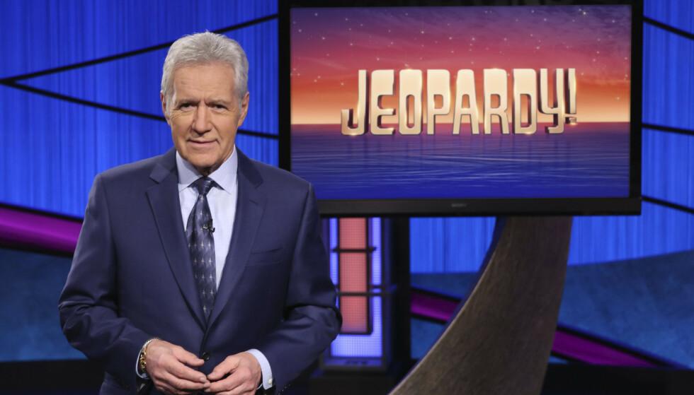 VERDENSKJENT: Gameshowet «Jeopardy!» er verdenskjent, og har helt siden 1984 vært ledet av Alex Trebek. Han døde søndag 8. november, 80 år gammel. Foto: AP / NTB