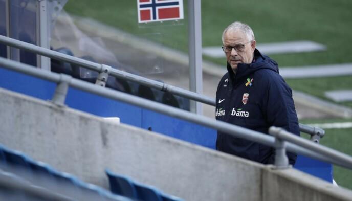 SAMLER TROPPEN: Landslagstrener Lars Lagerbäck. Foto: Bjørn Langsem
