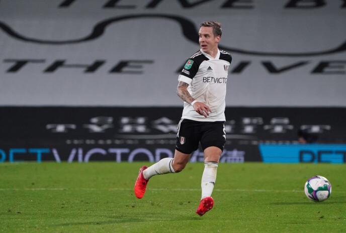 UTE I KULDA: Stefan Johansen får ikke spille Premier League for Fulham i 2020. Foto: NTB