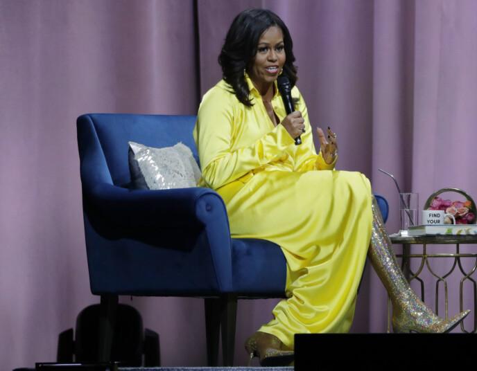 OVERRASKET: Michelle Obama dukket opp i dette Balenciaga-antrekket i 2018, som hun fikk store mengder skryt for. Foto: Frank Franklin / AP Photo / NTB