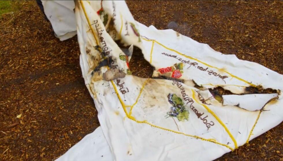 ØDELAGT: Brannen ble kjapt slukket, men broderiet sto ikke til å redde. Foto: Skjermdump/TV 2