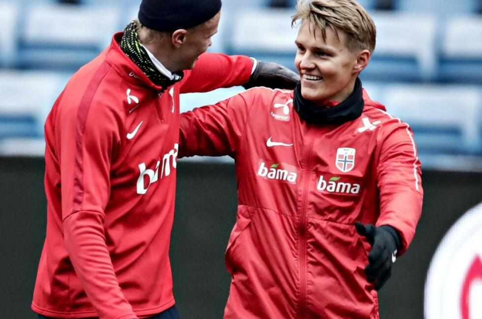 STORKOSER SEG SAMMEN: Erling Braut Haaland (t.v.) og Martin Ødegaard har hatt mye å prate om denne uka. Foto: Bjørn Langsem / Dagbladet