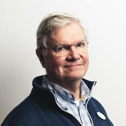 KRITISK: Finske professor Marku Partinen mener det var uforsvarlig å sette i gang massevaksinasjon på en så lite testet vaksine som Pandemrix. Foto: Uniklinikka