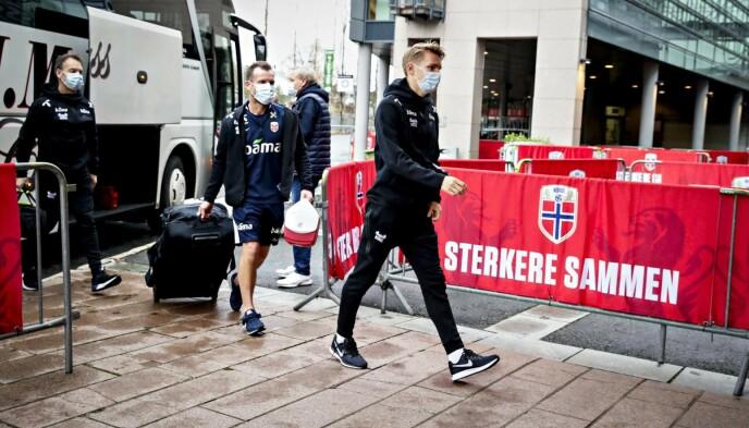 FORBEREDELSER: Martin Ødegaard på vei til trening på Ullevaal stadion denne uka. Foto: Bjørn Langsem