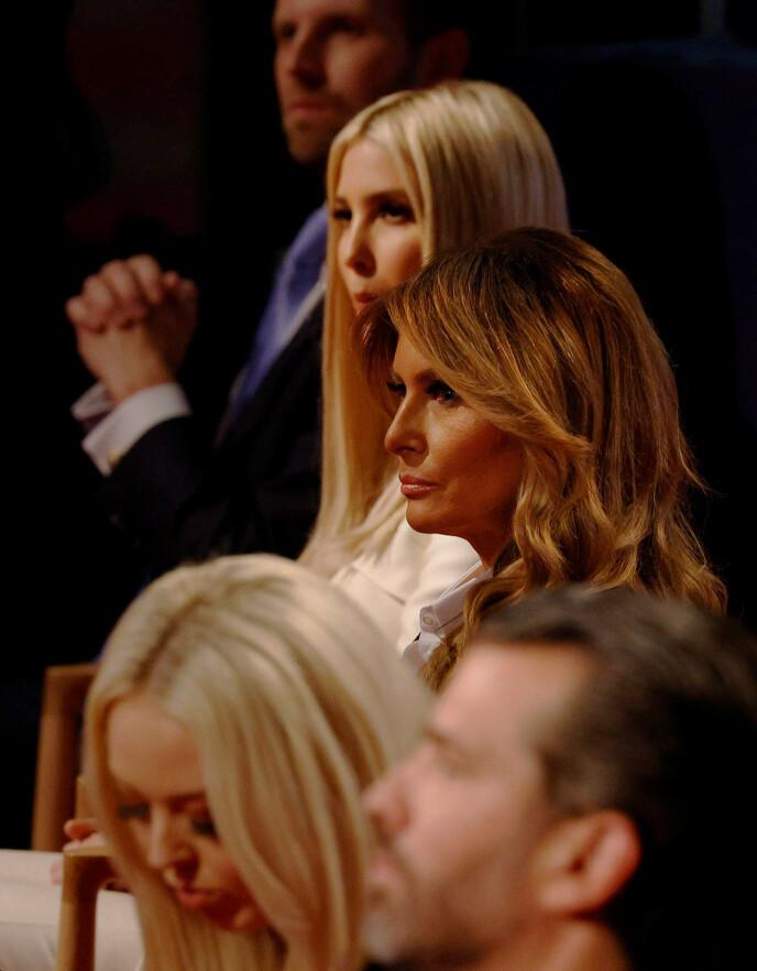 UTEN MUNNBIND: Det ble kraftig kritisert at Trumps familie tok av seg munnbindet under den første presidentdebatten 29. september. Foto: Brian Snyder / Reuters / NTB