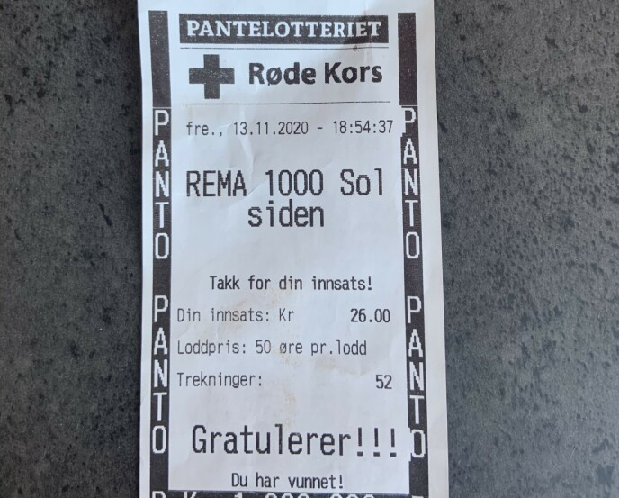 VINNERLODDET: Denne lappet gjorde 26-åringen til millionær. Foto: Privat