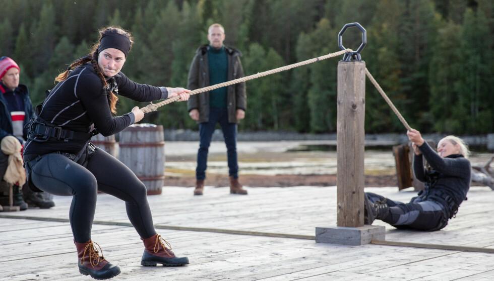 KLOKKEKLAR TRO: Karianne Kopperstad var aldri i tvil om at hun kom til å vinne tautrekkingskonkurransen. Foto: Alex Iversen/TV 2
