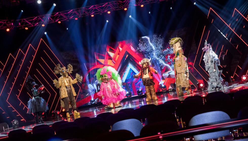 DEL TO: De maskerte sangerne er tilbake for en ny runde med «Maskorama». Alle foto Julia Marie Naglestad/NRK