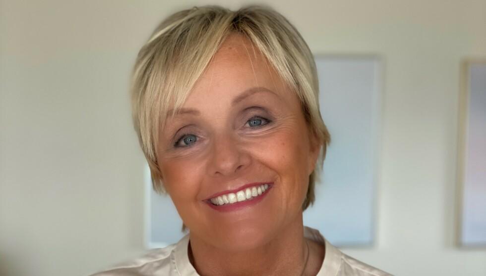 FORNØYD: Inger Stenstrøm har det siste året fått færre plager med sin MS-sykdom.S Her kan du lese om hvordan hun gikk fra begrenset bevegelighet til å kunne begynne å løpe igjen. Foto: Privat
