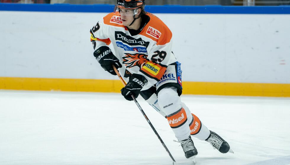 BEST: Frisk Askers Bobby Macintyre ble kåret til sitt lags beste spiller da Manglerud ble slått 5-4. Foto: Fredrik Hagen / NTB
