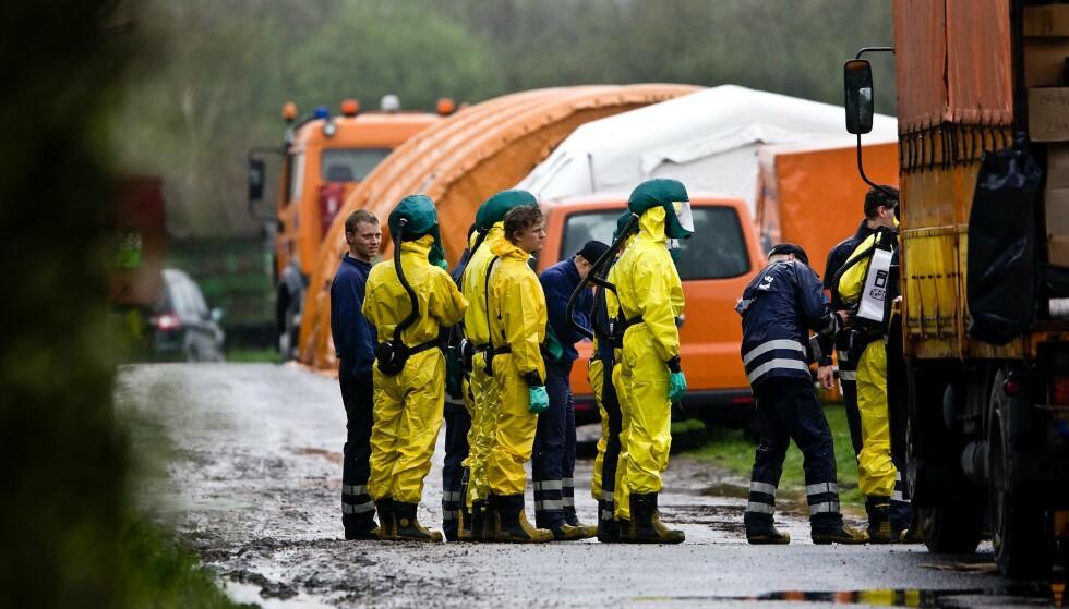 KONTROLL: Danske helsemyndigheter under fugleinfluensautbruddet i 2008. Foto: Lars Skaaning / AP / NTB