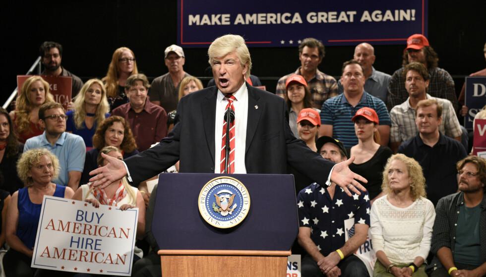 VELKJENT: Alec Baldwin har gjort stor suksess som Donald Trump-etterligner de siste åra. Her fotografert i 2017. Foto: Rosalind O'Connor/NBC via AP, NTB