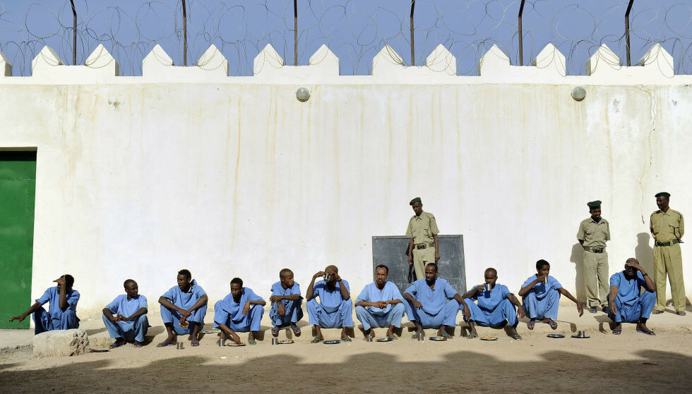DØDSDØMT: Her i det norsk-finansierte piratfengselet i Somaliland, sitter den norske statsborgeren Saad Jidre. I dag ble han dømt til døden for overlagt drap. Foto: Tony Karumba / AFP / NTB