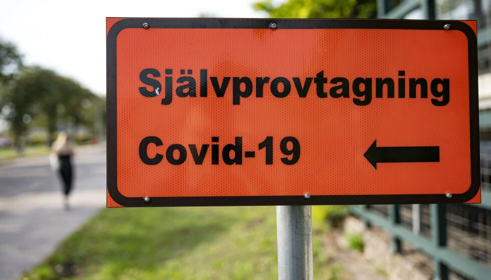 Svenske myndigheter har i større grad enn andre land basert seg på anbefalinger og oppfordringer til sine innbyggere, fremfor konkrete forbud og restriksjoner. Foto: Johan Nilsson/TT / NTB